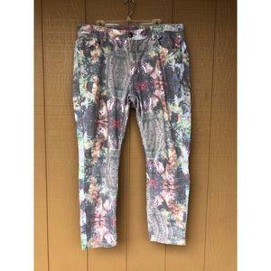 Pastel Colored Plus Size Jean Capris Pants
